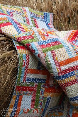 lovely colorful quilt...: Love Colors, Colors Fabrics, Jaybird Quilts, Cabins Variations, Flowers Baby, Colorful Quilts, Cabins Ideas, Colors Quilts, Logs Cabins Quilts