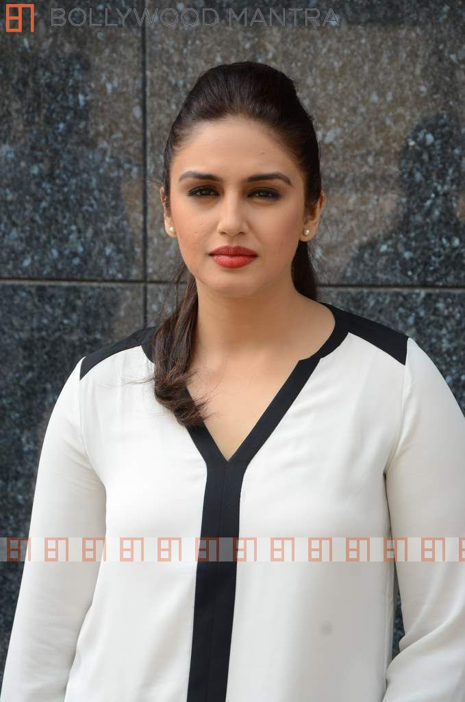 Huma Qureshi | Luv Shuv Tey Chicken Khurana Movie Promotion Event ...