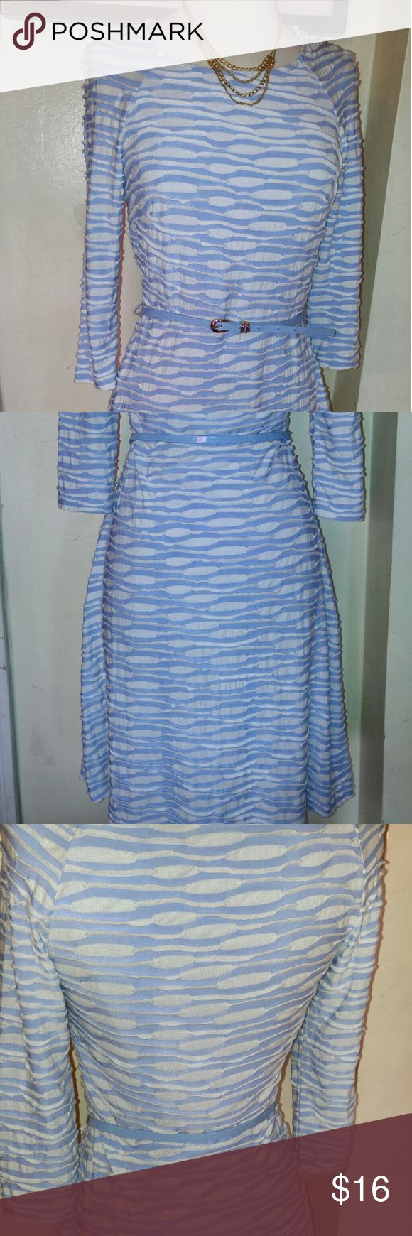 Textured pattern blue & white long dress w belt Gently used blue and white texture pattern long dress with belt size 4. Message me for more details discount for bundle. Thank you for looking. I love offers Dresses