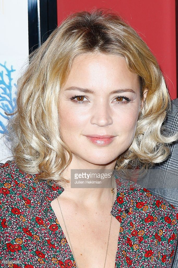 Photo d'actualité : Virginie Efira attends 'Et Ta Soeur' Paris...