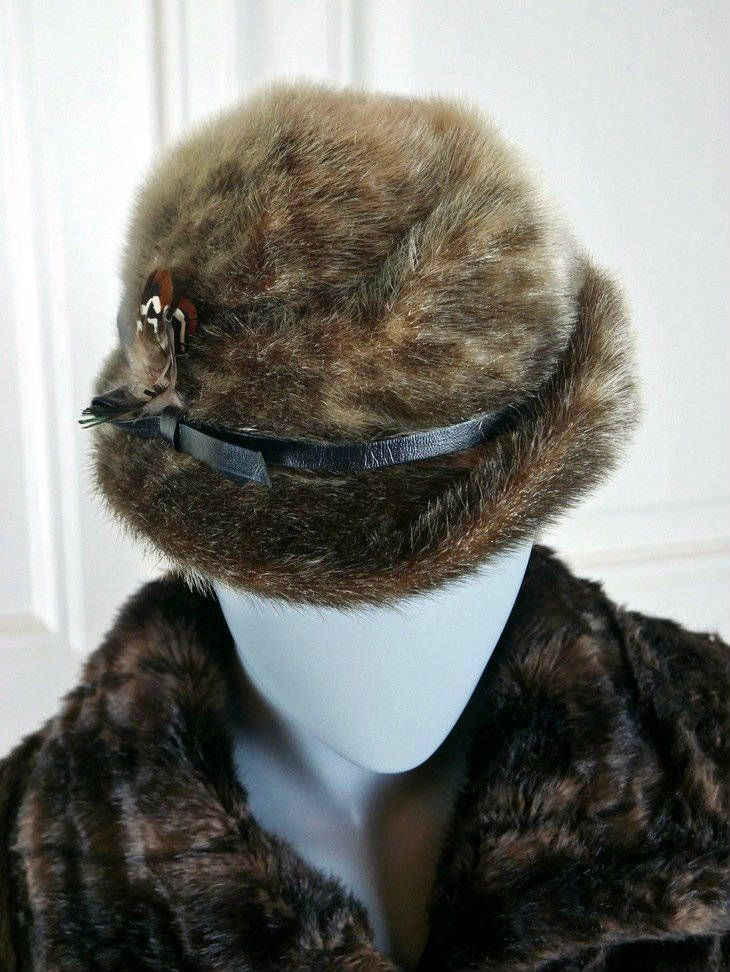 Women's Vintage Fur Hat, Brown Spotted Lynx Fur 1960s Mad Men Bucket Fedora Hat w Turned-Up Brim Leather Band and Feather: Large (7 3/8 US) by YouLookAmazing on Etsy