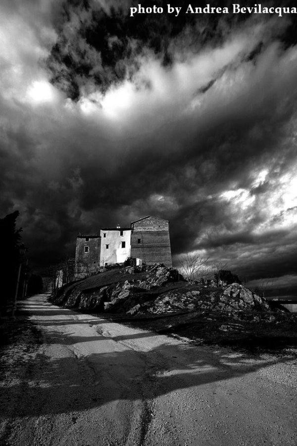 Precicchie castle, near Fabriano - Marche - photo by Andrea Bevilacqua