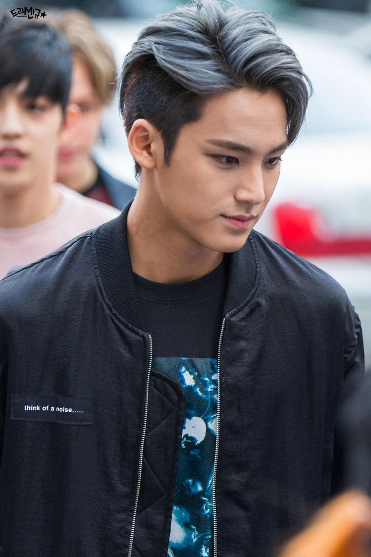 Mingyu! I told myself. I wouldn't get into anymore Kpop groups! BUT SEVENTEEN IS AMAZING!