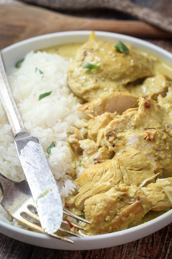 Indonesian Chicken Curry - your neighbors will be knocking down your door. This smells HEAVENLY. #indonesianfood