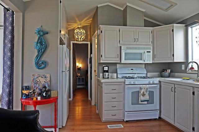 Check out this stylish makeover!http://mobilehomeliving.org/manufactured-home-renovation-southern-cali-style/?utm_content=buffer62a9d&utm_medium=social&utm_source=pinterest.com&utm_campaign=buffer