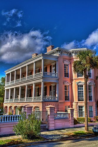 The Battery, Charleston, South Carolina My favorite house in the world and my biggest wish.....to stay there at least one weekend   Aaaaah