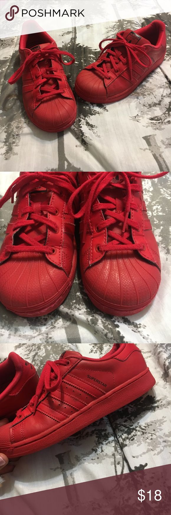Unisex Adidas superstar tennis shoes Has been worn but has alot of wear left in them, size 3 adidas Shoes Sneakers