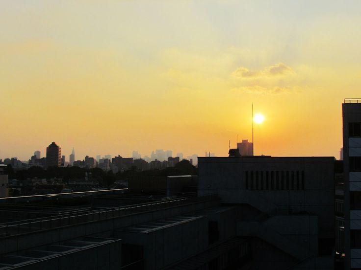 http://dunnowhatiwannado.tumblr.com/  Sunset over Tokyo from Toyo University, Bunkyo-ku, Tokyo 2011