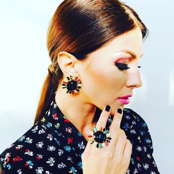 "Ilinca Vandici TV SHOW ""Bravo, ai stil"" wearing Agnes Earrings designed bt TRIA ALFA"
