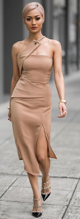 Perfect fit, Camel Dress | Micah Gianneli.