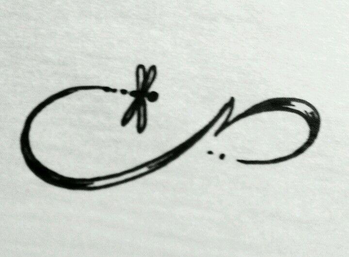 Libelula tatto infinito