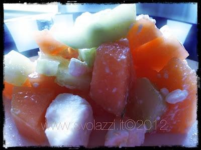 a special summer salad!  http://www.svolazzi.it/2012/07/insalata-di-melone-feta-e-cetriolo.html#more