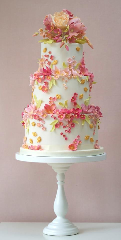Beautiful floral cake.