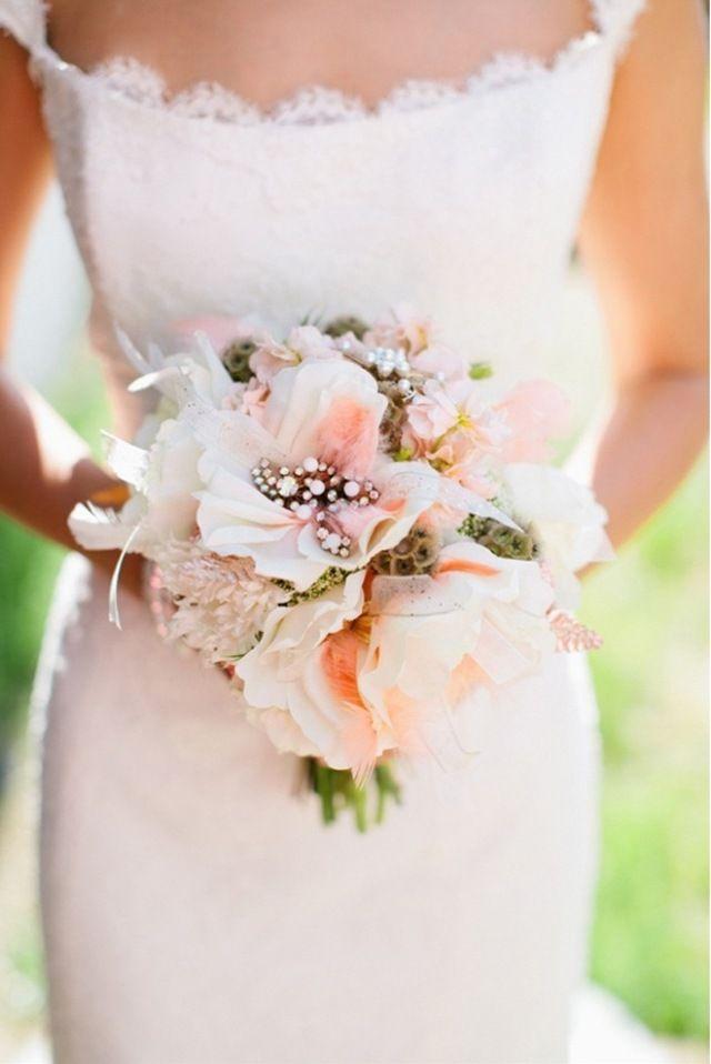 Blumenstrauß Zierde mit Perlen-romantisch und modern zugleich