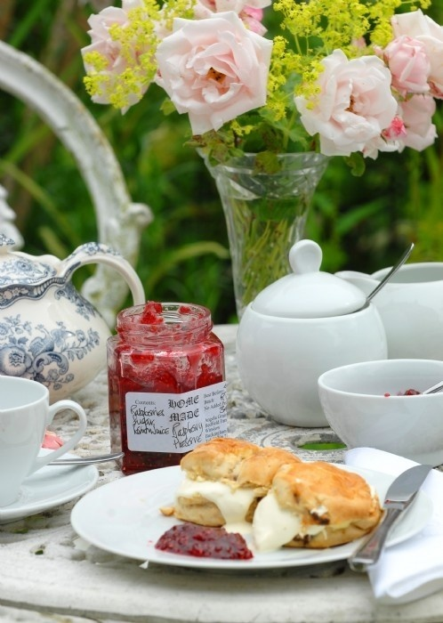 English tea time from 5th and state blog