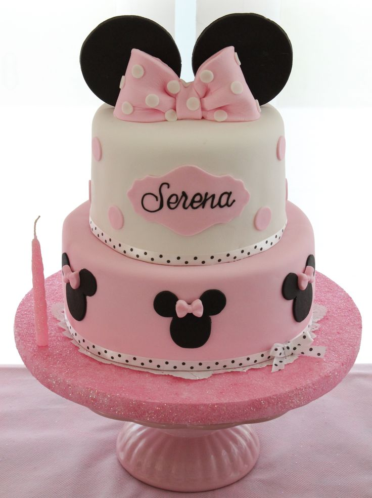Minnie Mouse Cake by Violeta Glace