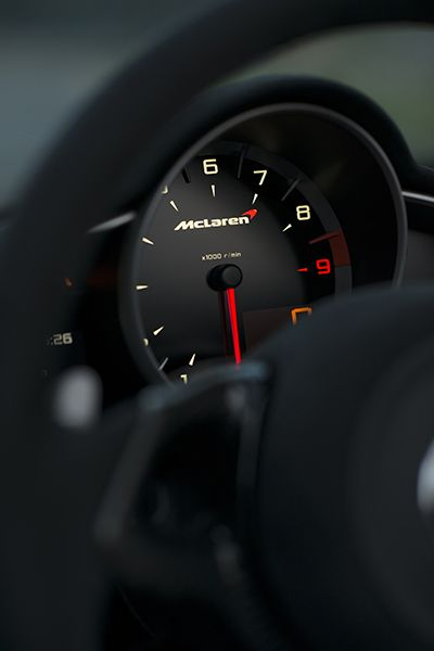McLaren 650S Coupe 2014, RPM Gauge Detail. More Images & Info On The Following Link: https://www.carspecwall.com/mclaren/super-series/650s-coupe-2014/