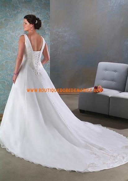 Robe de mariée avec longue traîne col V grande taille