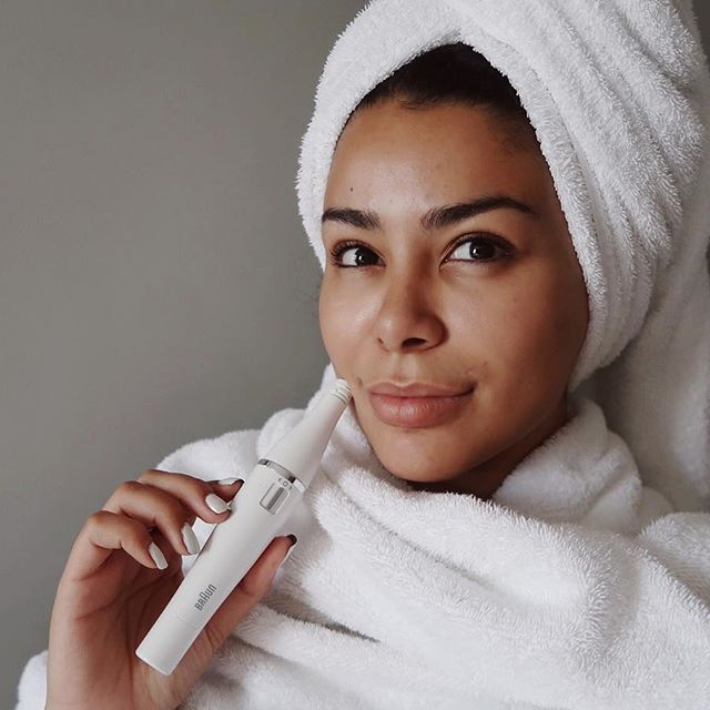 Hey my loves, I have the perfect new skincare tool and Eid gift for you! Last year you guys loved my Eid skin prep video (link in my bio) featuring the Braun FaceSpa. This multi-tasking tool fits into your skincare regime easily and really tackles women's individual skincare needs, removing hair and cleansing skin to leave gorgeous glowing skin ready for Eid ❤ EID MUBARAAAK #ad #BeautifulCelebration #BraunBeauty #BraunFaceSpa