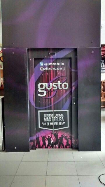 Adhesivo ascensor discoteca