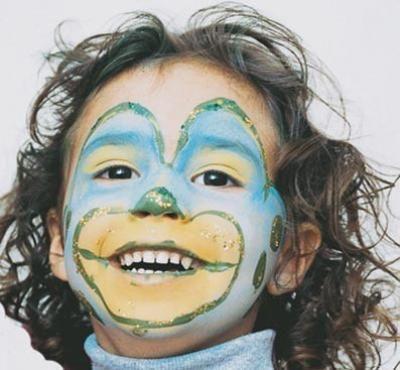 Maquillaje: Payaso http://www.serpadres.es/familia/tiempo-libre/fotos/fotos-maquillaje-carnaval/fotos-maquillaje--payaso