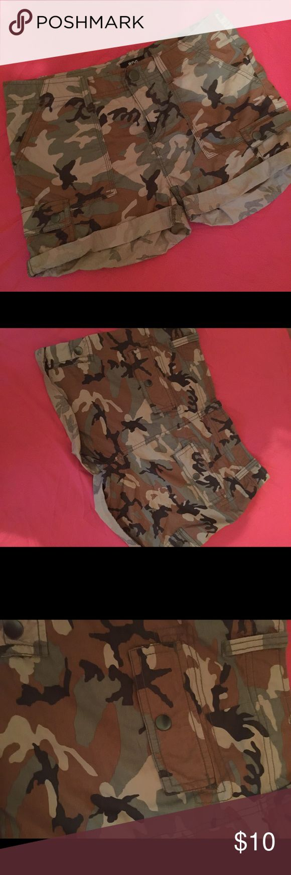 BDG Camouflage Shorts Size 4 This is a pair of BDG size 4 camouflage shorts. They are preowned but in like new condition and soooo cute!!! BDG Shorts