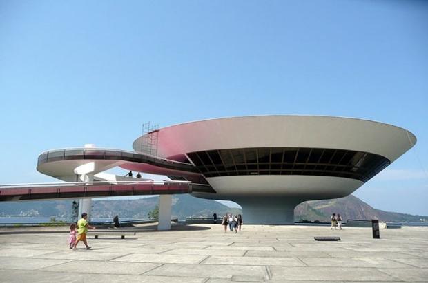 80  Strange and Fantastic Buildings Architecture: Brazil, Art Museum, Unusual Building, Art Museums, Art Sul-Africana, Contemporary Art, Fun Pictures, Art Niteroi, Photo