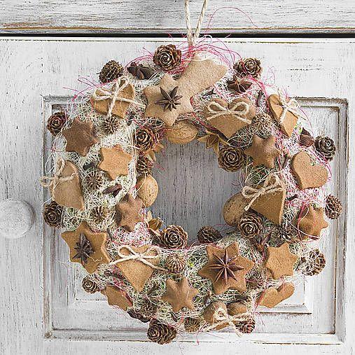 Cinnamon ornaments, Christmas wreath, DIY decor
