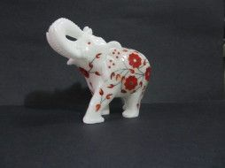 Fascinating and attractive marble royal elephant with beautiful inlay work makes a great show piece. Very Good and Attractive picchekari work on elephant. The art seems to blend with the natural earth tones. Size: Available in 2″, 3″, 4″, (inch)