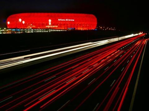 ⚽️#fußball #munich #germany #night #red #arena #car #street #autobahn #münchen #home #nice #photography #photooftheday http://tipsrazzi.com/ipost/1517371593394017391/?code=BUOyWzAhNRv