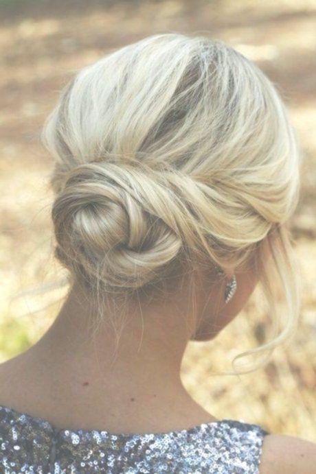 Schicke Hochsteckfrisuren für langes Haar #abiballfrisuren #brautfrisuren #leic...,  #Abiball...