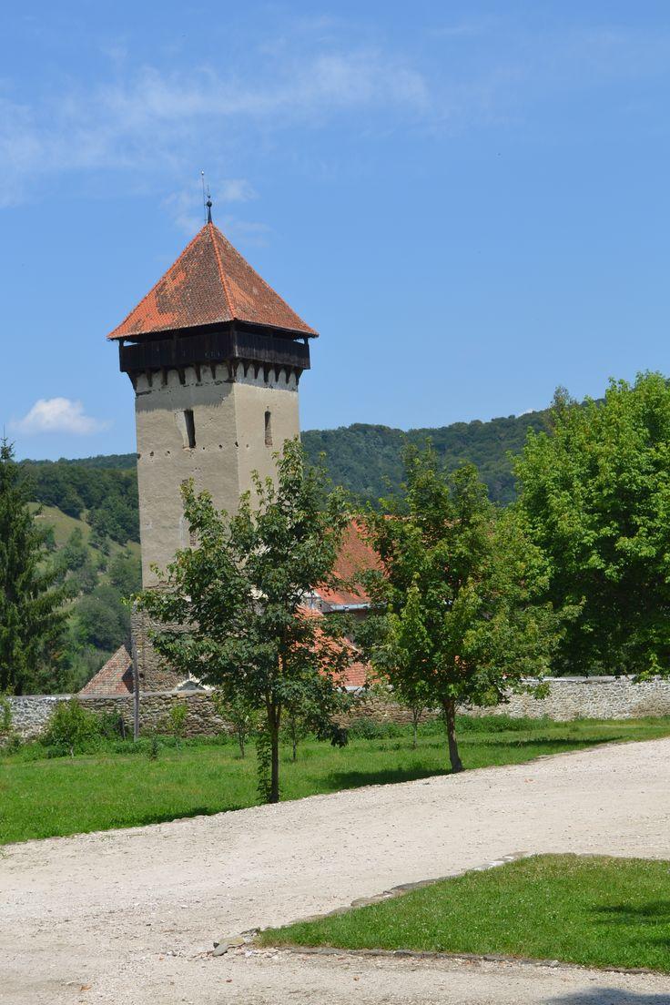 Malancrav Fortified Church, Transylvania http://www.touringromania.com/regions/transylvania/transylvanian-citadels-and-castles/peles-castle-transylvania.html