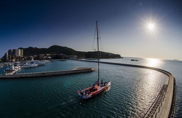 Tropical life in Sanya wouldn't be complete without taking a sail around the ocean.