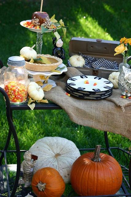 Fall dessert cart autumn fall pumpkin dessert cart for Appetizer decoration