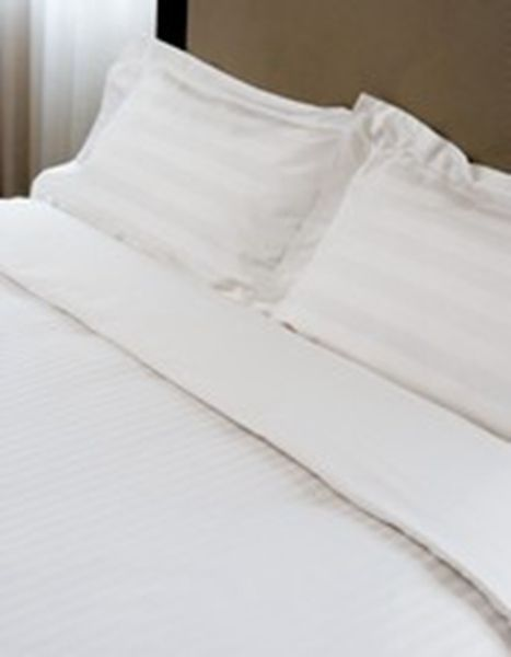 2 x REGULAR WHITE STRIPED PILLOWCASES HOME&HOTEL USE PILLOW CASES COVER 51x75CM