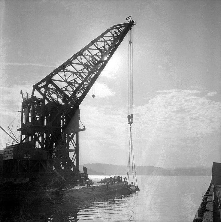 Titan floating crane, June 1954. Max Dupain photo.