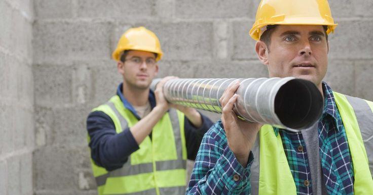 ¿Cuál es el tamaño promedio de las tuberías del alcantarillado del baño?. Un baño tiene varias secciones de tubería en el sistema de desagüe del retrete y cada una ha sido estandarizada para hacer la instalación más simple y consistente. Los baños tienen un recodo de armario, una tubería de desagüe y un tubo que conecta el armario con la línea de drenaje principal de la casa al desagüe. Todos los tubos son generalmente ...