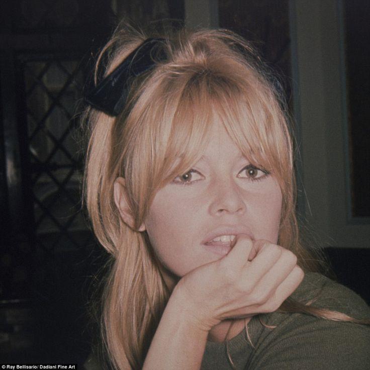 Signature look: Au sommet de sa gloire dans les années 1950 et 60, Brigitte Bardot rivalisait avec Marilyn Monroe en tant que femme la plus photographiée du monde