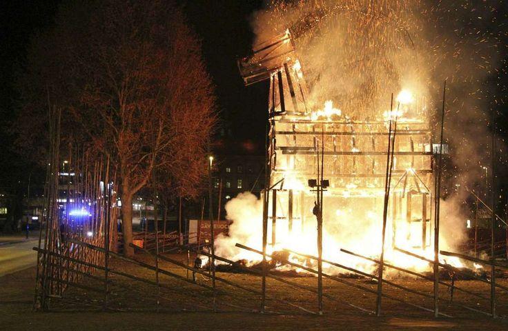 The Gavle Yule Goat burnt down yet again in 2015!