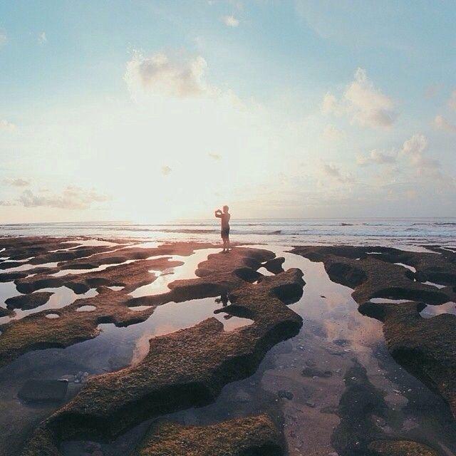 Heres another ravishing #awesomeplaceinbali. This unexpected shots taken by #baliislandphotog @ardipradivtha taken at Balangan Beach   ------------------------------------ #bali #baliisland #explorebali #jelajahbali #awesomeplace #awesomeplaces