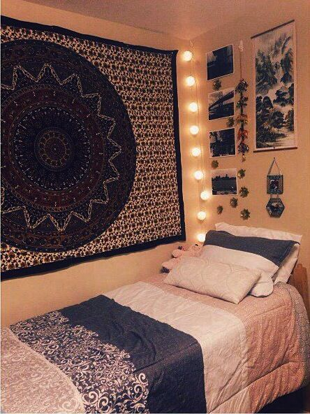 I like the lights in the corner of the wall with the fabric on it- maybe do this in our common area?