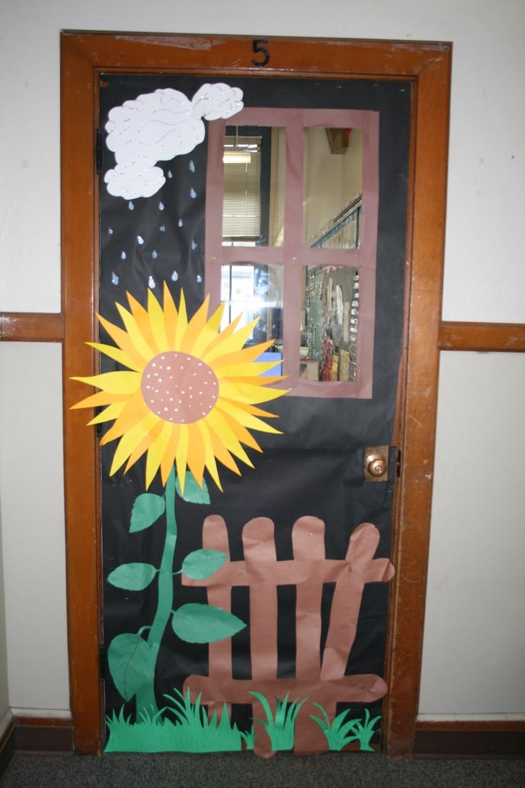 Classroom door window - Door To Classroom Was Changed For The Season Adding A Snowman Pumpkins Or