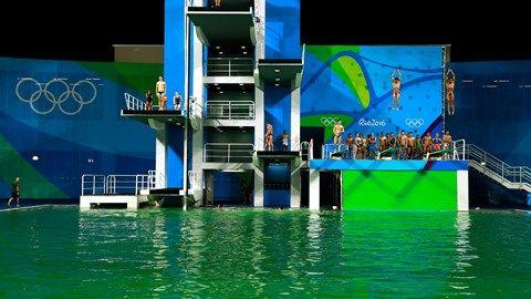 Radio-Canada (2016-07-12) JO 2016: La piscine à l'eau verte fermée à Rio http://jeuxolympiques.ici.radio-canada.ca/nouvelles/article/piscine-verte-rio-jeux-olympiques-plongeon.html