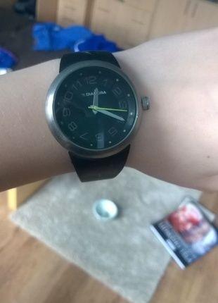 Kupuj mé předměty na #vinted http://www.vinted.cz/doplnky/hodinky/8404775-cernostribrne-hodinky-diadora