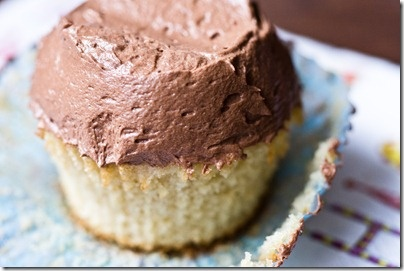 vanilla cupcakes with chocolate cream cheese icing