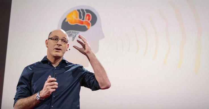 神経学者のウリ・ハッソンは人のコミュニケーションに関する基本的なことを研究しており、彼の研究室の実験により、例え話す言語が異なっていても、同じ概念や話を聞いているときには、我々の脳は似たような反応をしたり、同調したりすることが見出されました。この驚きの脳神経の機構により、脳の反応パターンを伝えたり、記憶や知識を共有することができます。ハッソンは「我々は意味に対する共通コードがあるからコミュニケーションができるのだ」と言います。