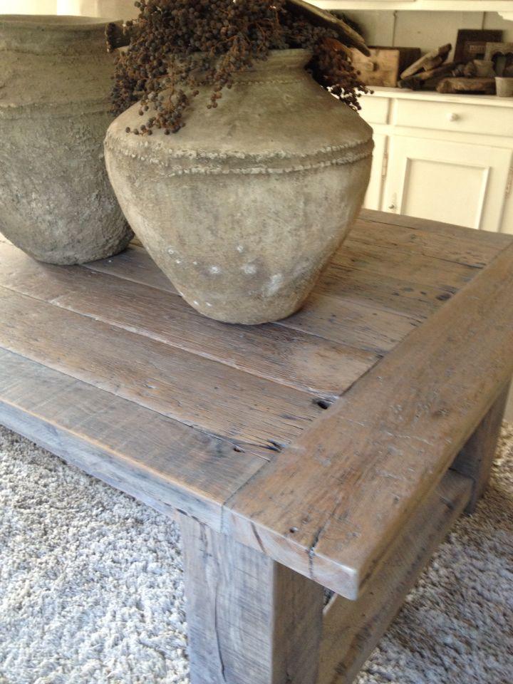 Stoere robuuste tafel gemaakt van oud eiken met een prachtige vergrijsde patina Wonen de Spieghelhoeck
