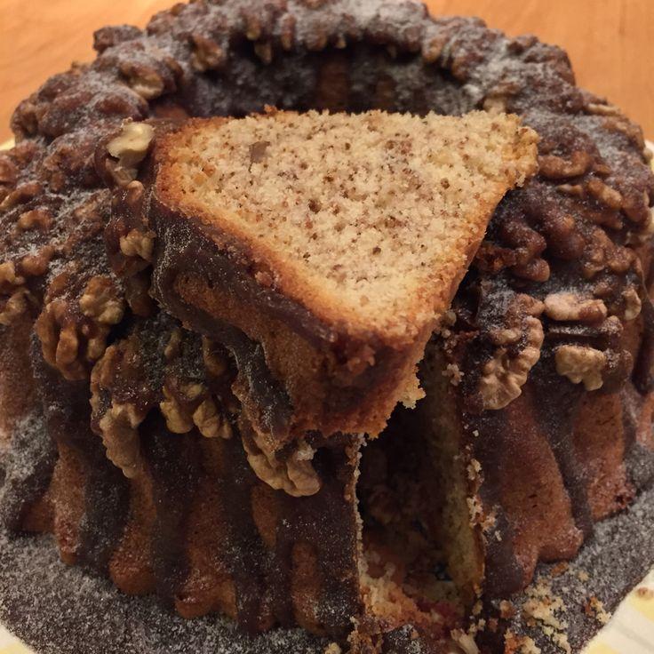 Walnotencake met toffeesaus