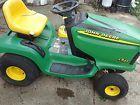 John Deere LT133 Lawn Tractor