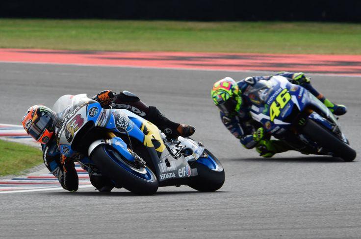 Elf lubricantes es patrocinador de carreras y de algunos equipos de MotoGp como el del piloto español de Honda Tito Rabat.